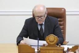 В течение трех часов Леонид Анфимов рассматривал проблемные вопросы жителей столицы и Минского района