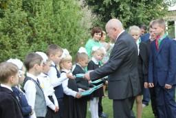 Леонид Анфимов поздравил с Днем знаний учащихся Слободской сельской школы и Браславской гимназии