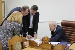 Леонид Анфимов провел прием граждан в Администрации Президента
