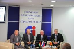 Леонид Анфимов принял участие в форуме «Словацкие дни в Гродно» и посетил СООО «ЗОВ-ЛенЕвромебель»
