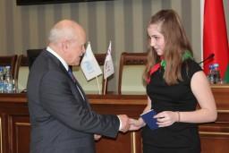 В Комитете государственного контроля вручены паспорта представителям одаренной и талантливой молодежи